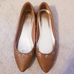 Bamboo Pointed Toe Flats with Grommet Detail